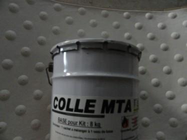Colle bi composant MTA pour bande podotactile